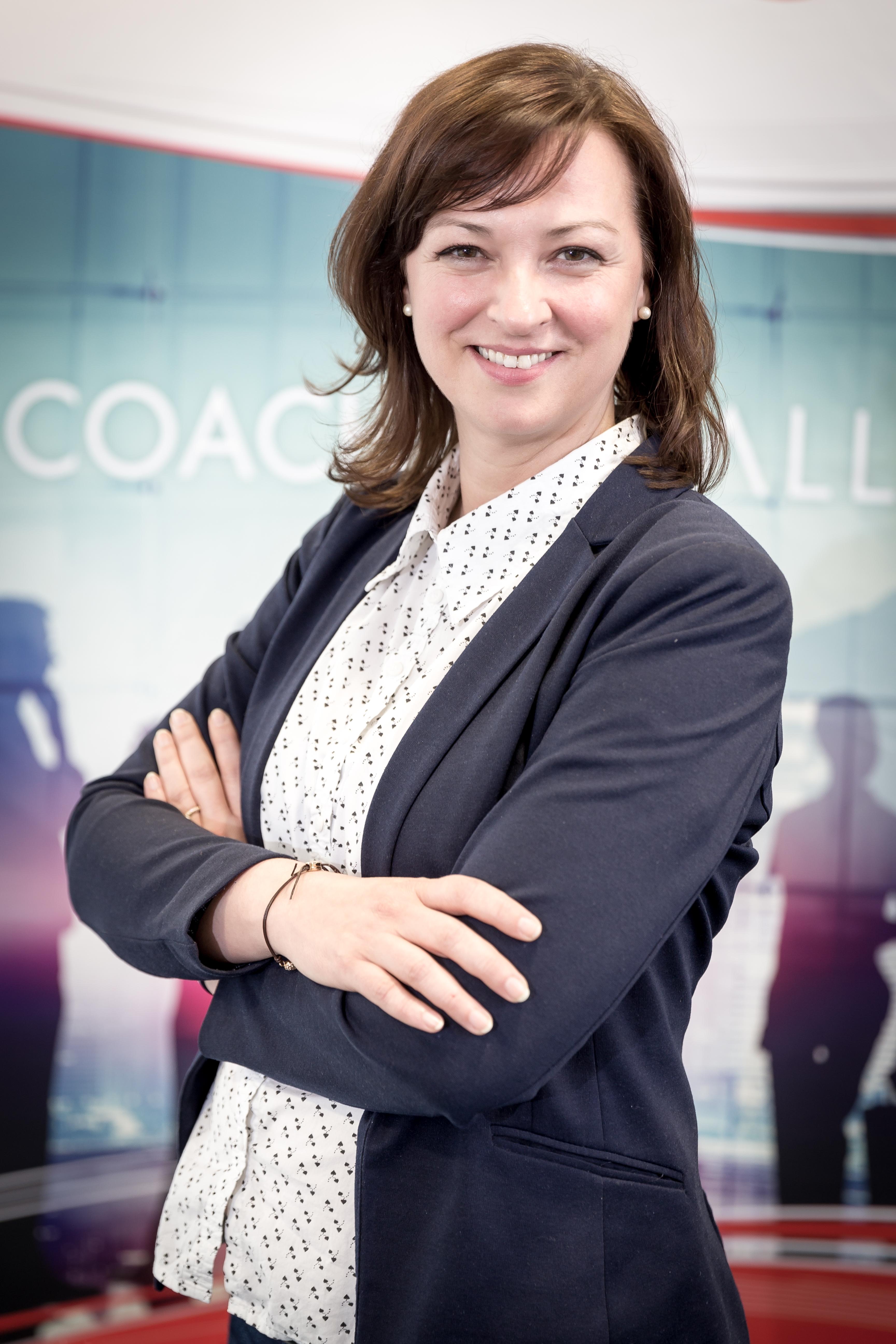 Nicole Falk